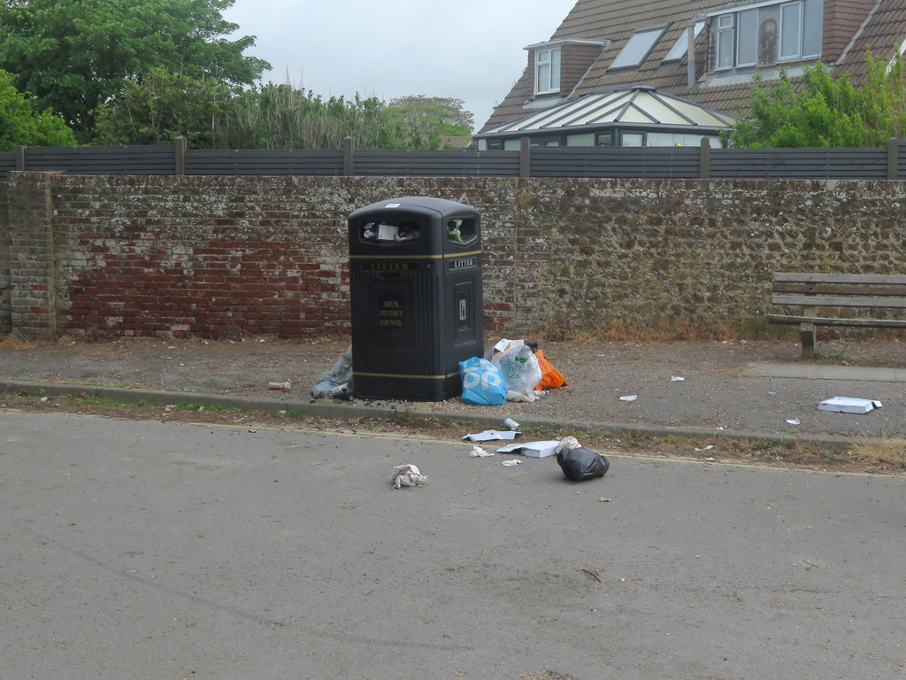 Rubbish by davemockford