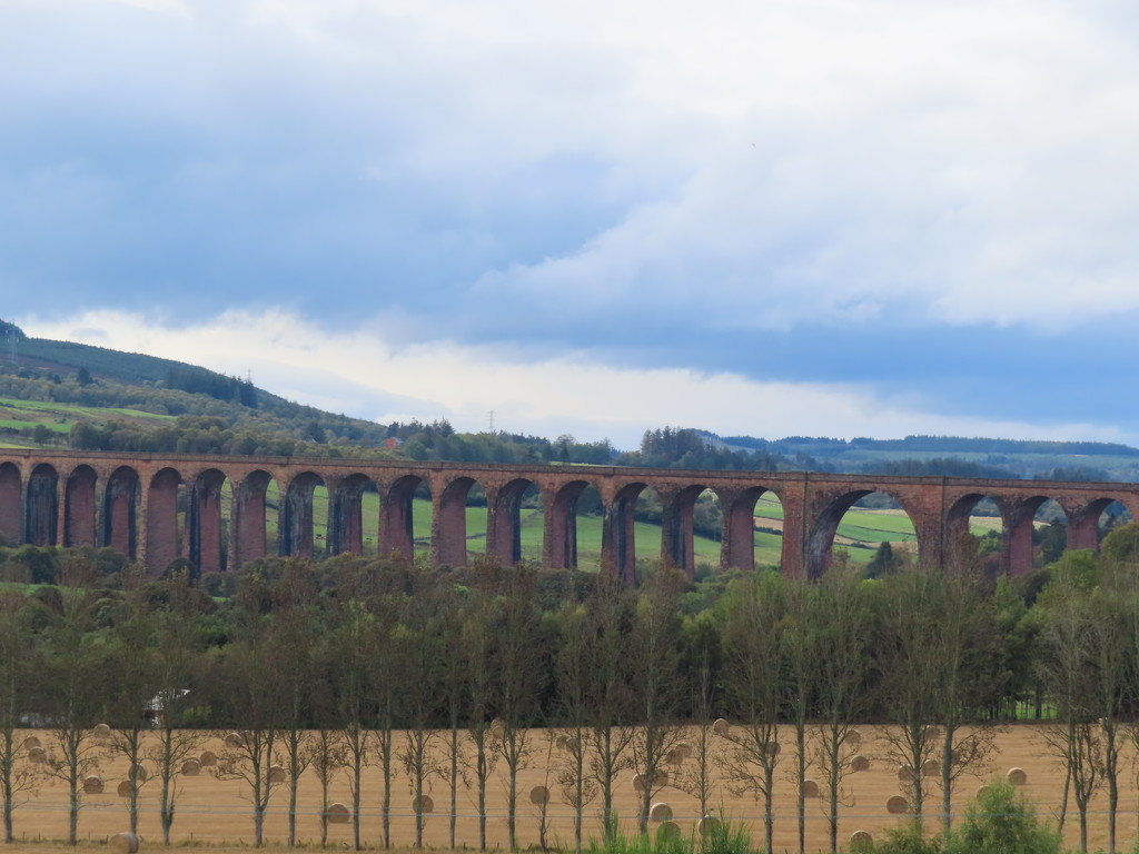 Viaduct in Scotland by loey5150