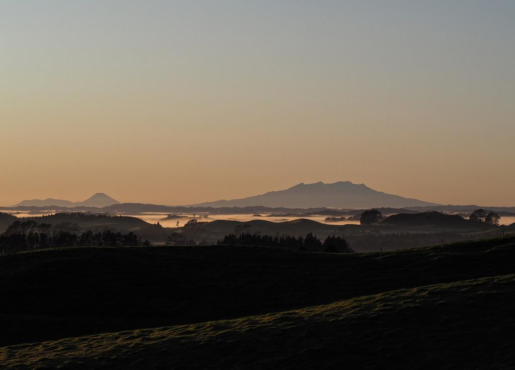 long view by graemestevens