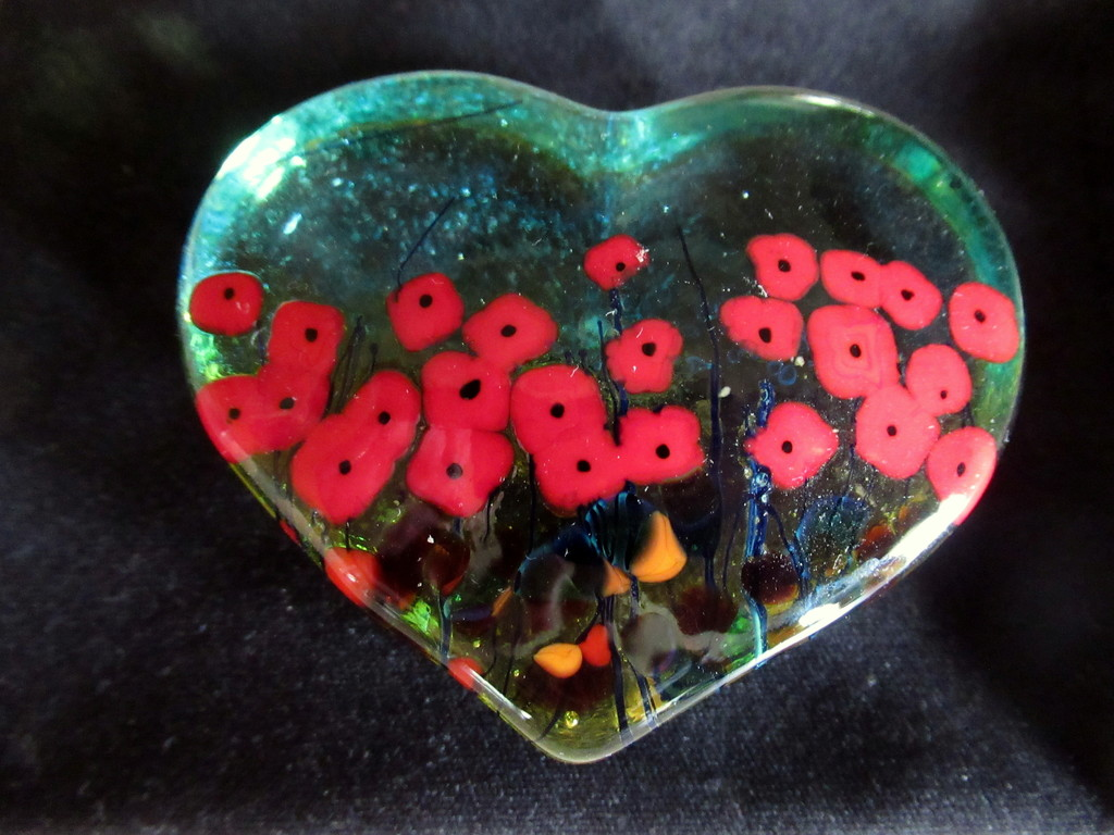 A paperweight glass art by bruni