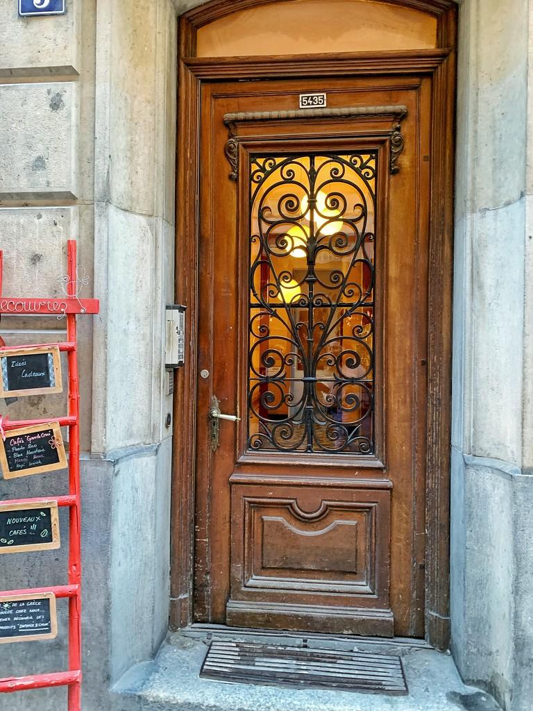 4 Hearts on lighted door.  by cocobella