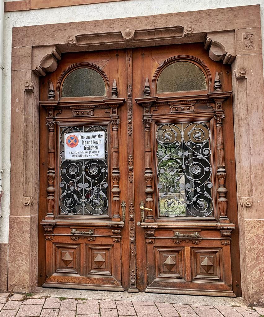 Arabesque hearts on a door.  by cocobella