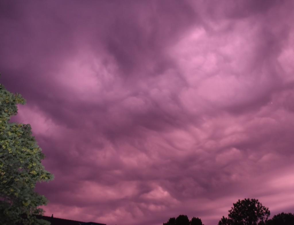 purple sky, strange weather. by beefy2