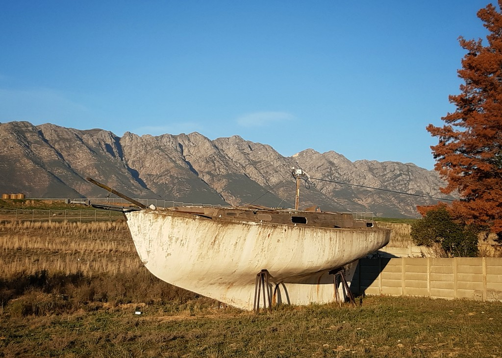 A Boat in the Mountains  by salza