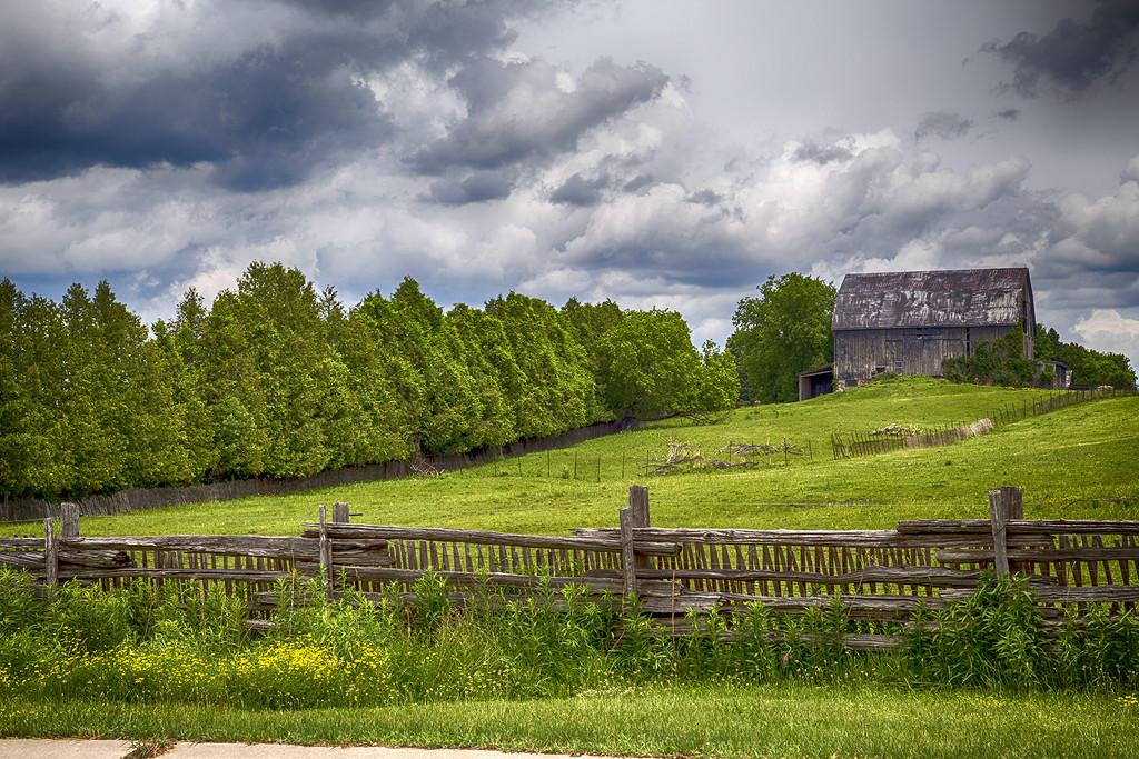 Holland Marsh Barn by pdulis