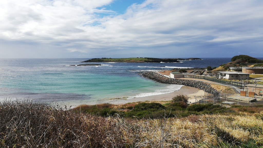 Port Kembla view from top of the hill by julianneovie