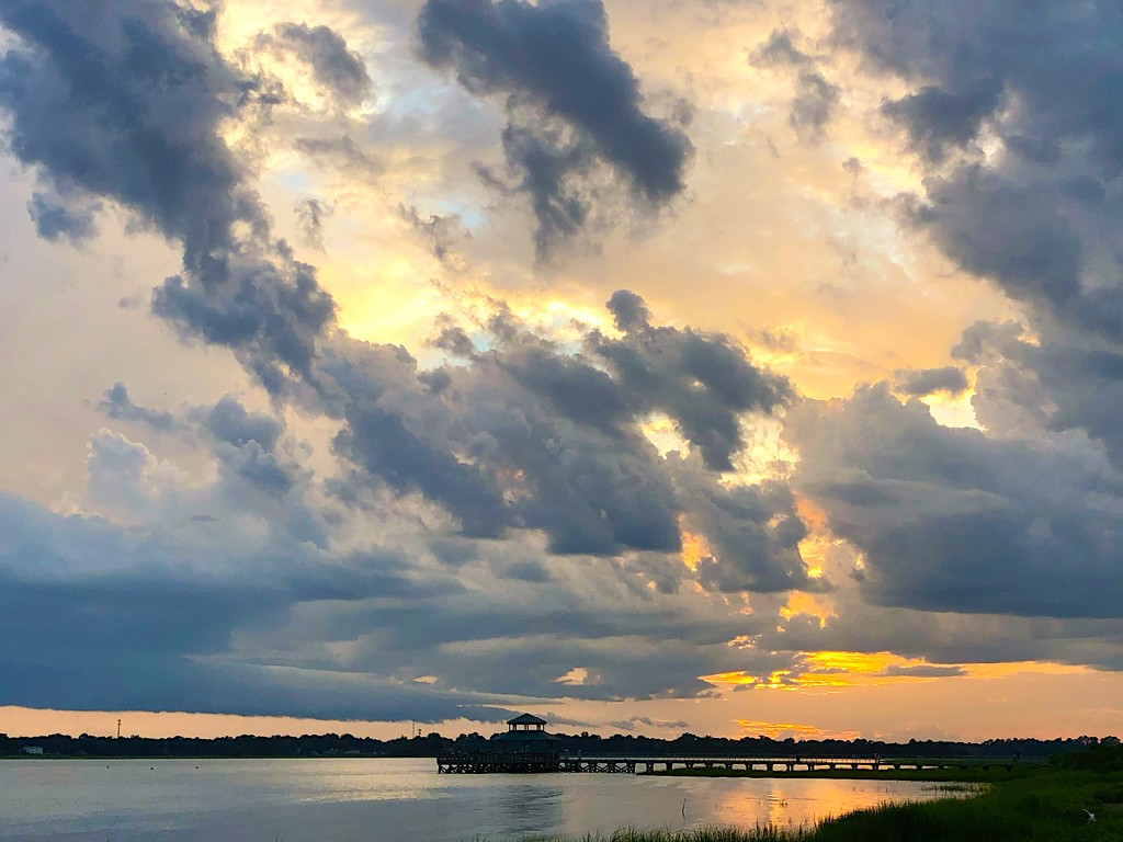 Sunset at Brittlebank Park by congaree