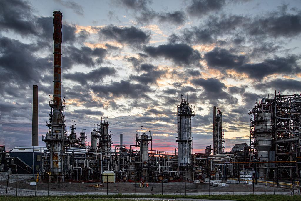 Petro-Canada Plant Sunrise by pdulis