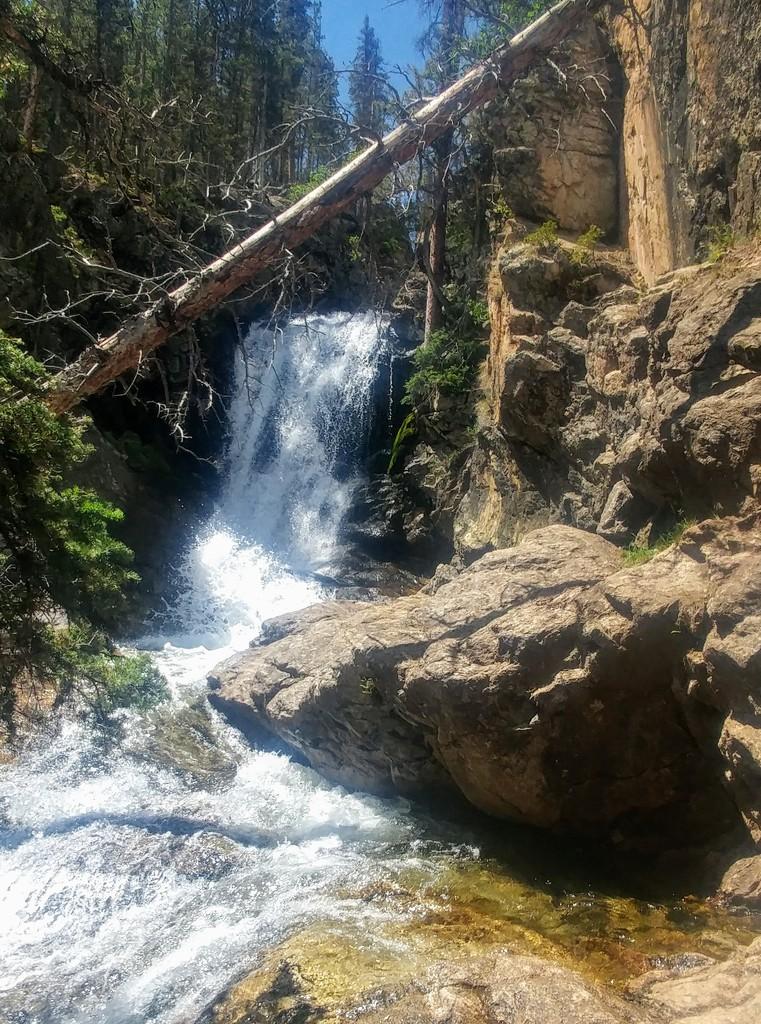 Browns Creek Waterfall by harbie