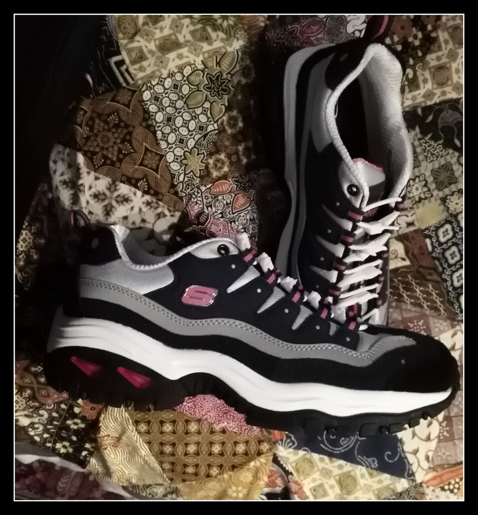 My new walking shoes- so comfy by 777margo