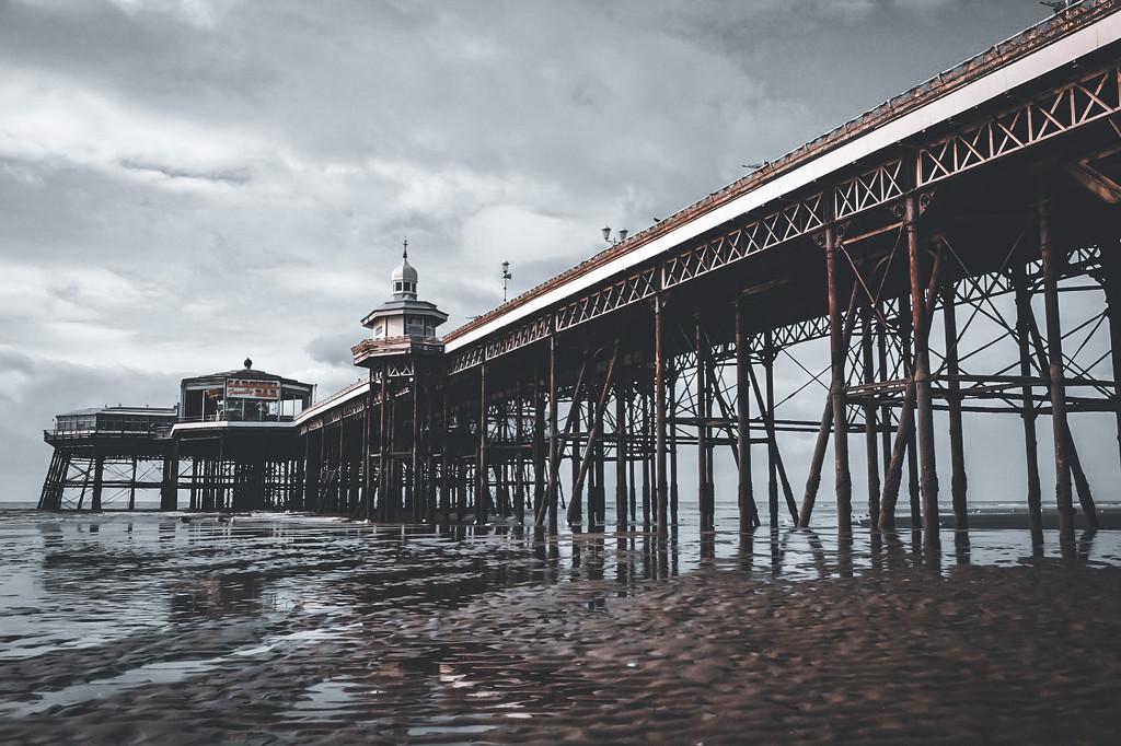 Blackpool Pier by photopedlar