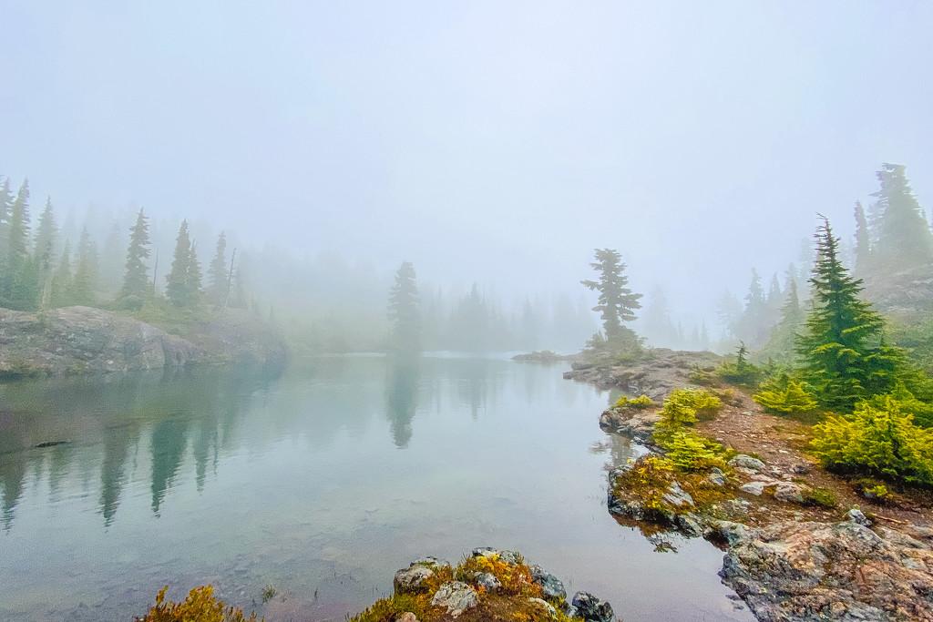 Misty Lake by kwind
