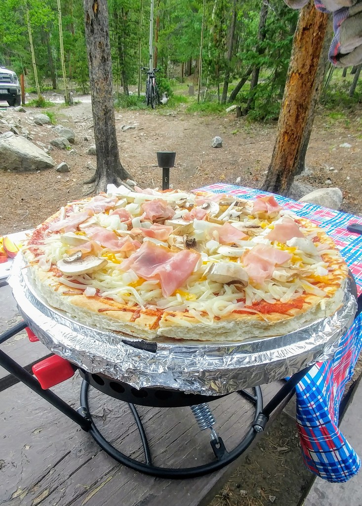Dutch Oven Pizza by harbie