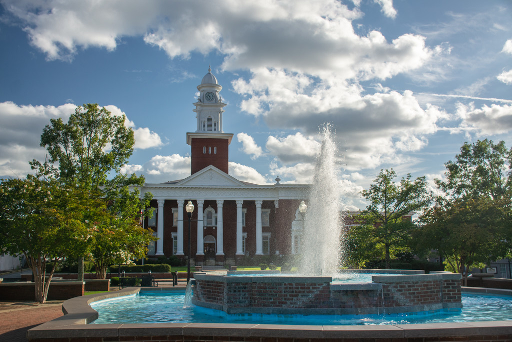 Fountain and Court House... by thewatersphotos
