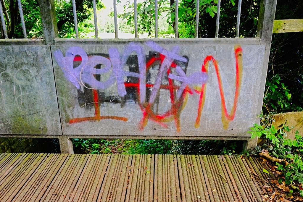 Footbridge Graffiti 3 by allsop