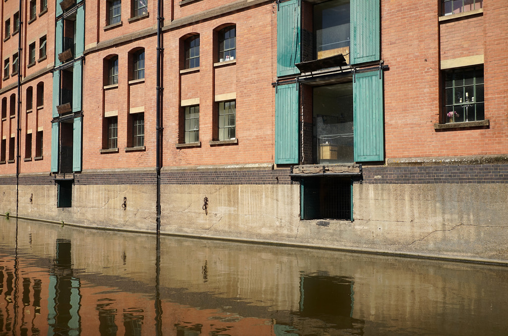 Canalside Facade by phil_howcroft