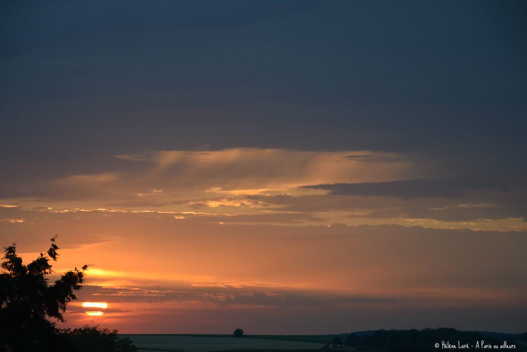 July 2020's last sunset by parisouailleurs