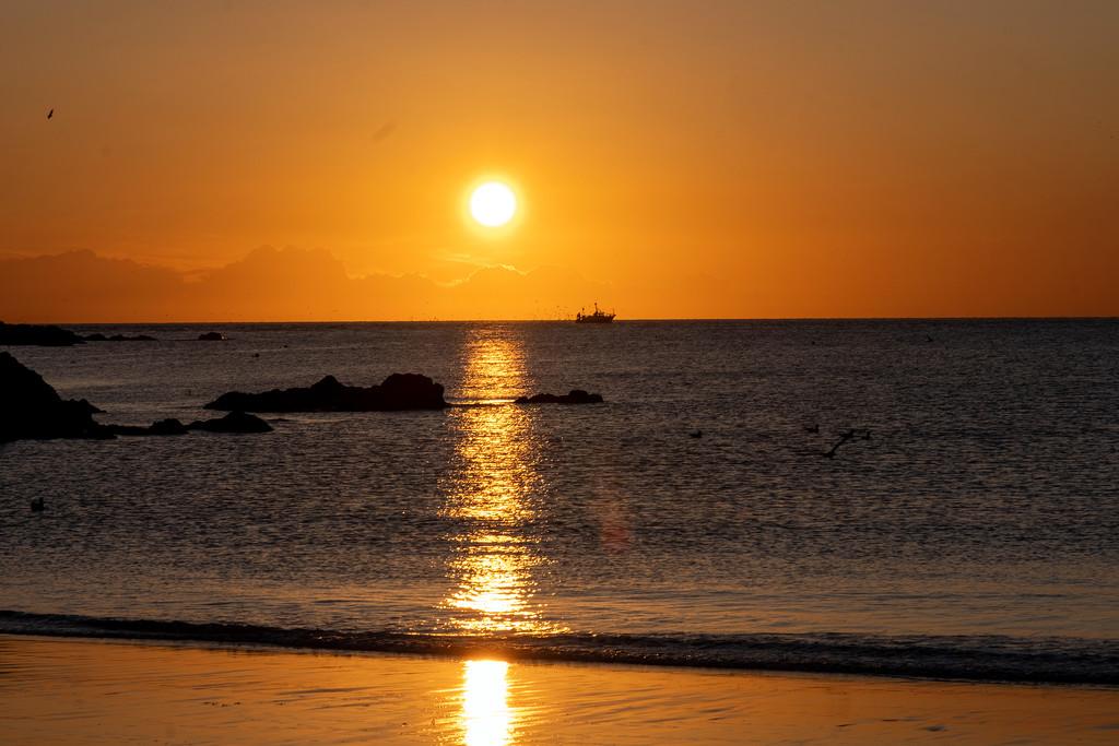 Coldingham Sunrise by ellida