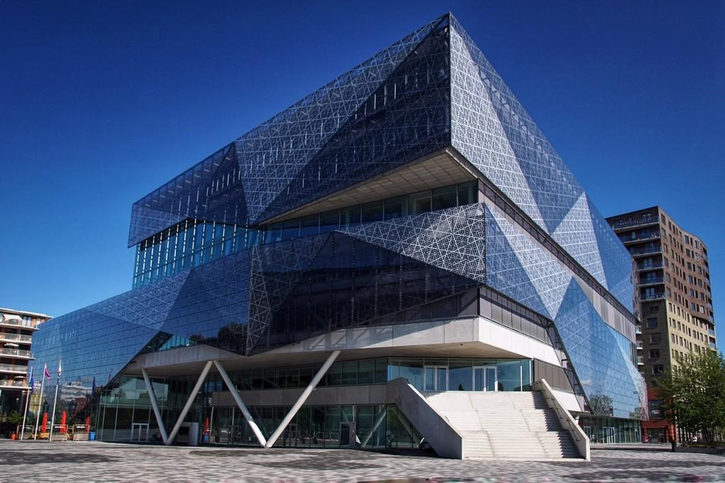 The City Hall of Nieuwegein (Holland) by romainz