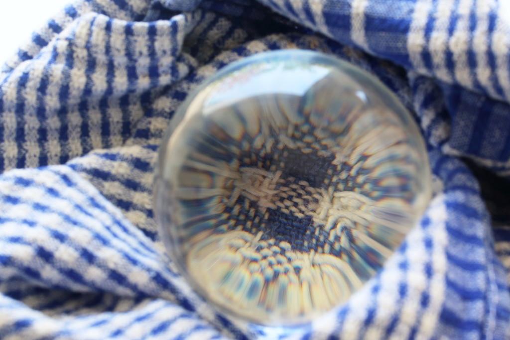 L - Lens ball  by ingrid01