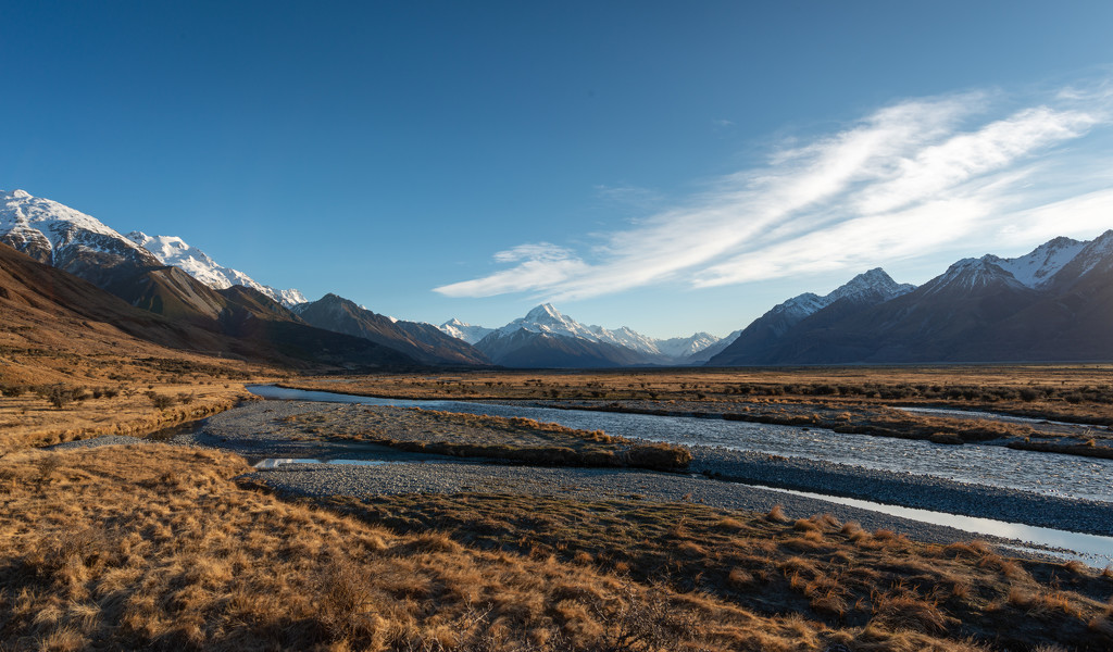 Mt Cook in the Morning by yaorenliu