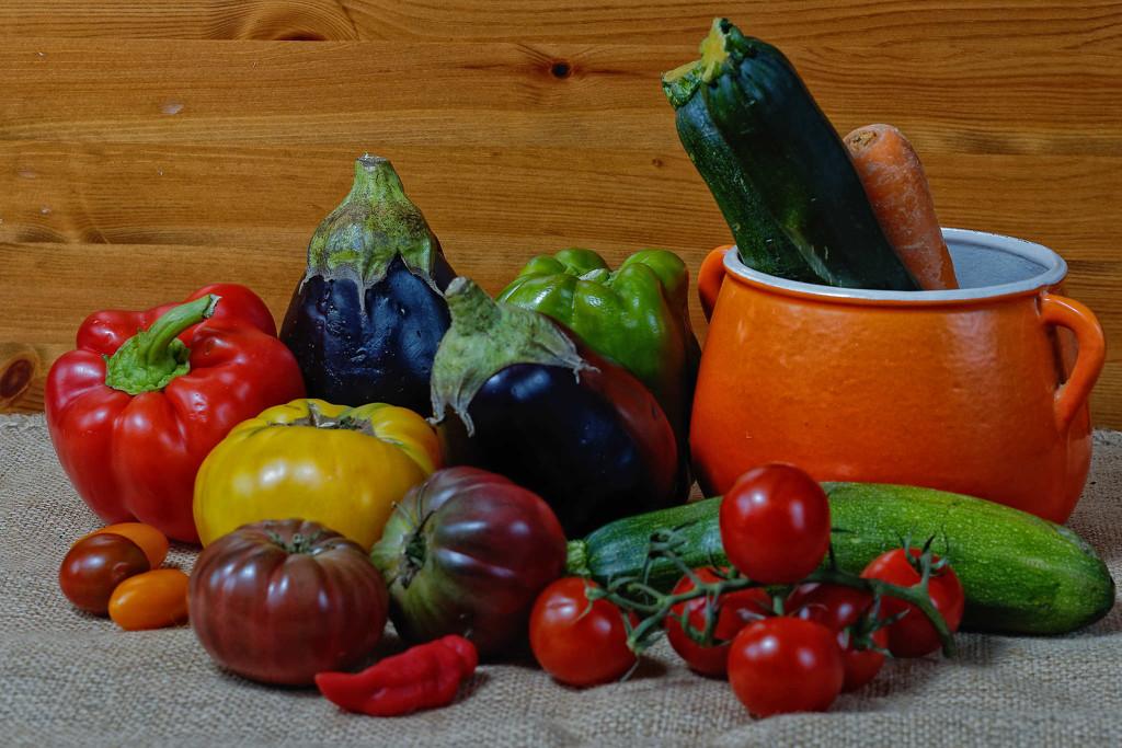 Nature morte - quelques légumes by laroque