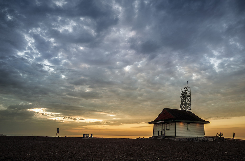 Leuty Lifeguard Station by pdulis
