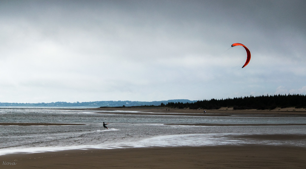 Kite surfing by novab