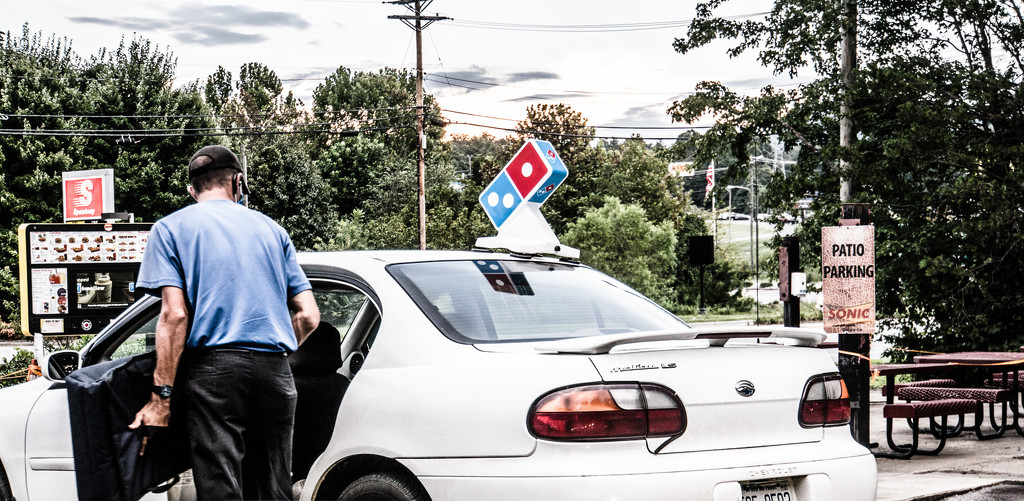 Pizza Delivery to Drive-in Restaurant by randystreat