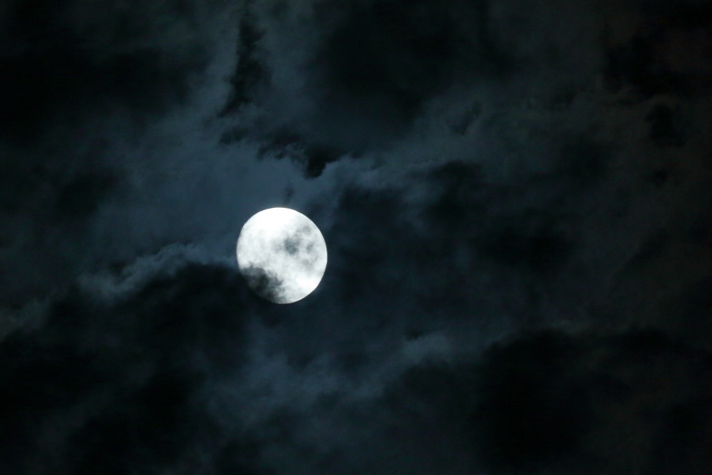 Clouds (and the moon) by ingrid01