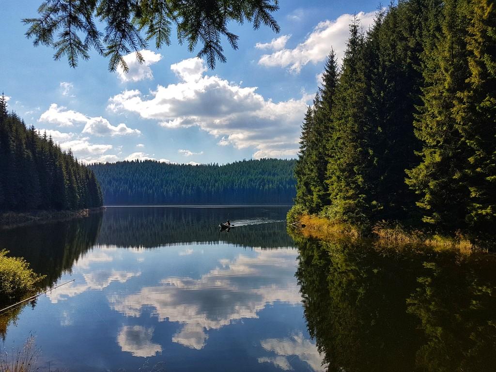 Oasa Lake by asimon