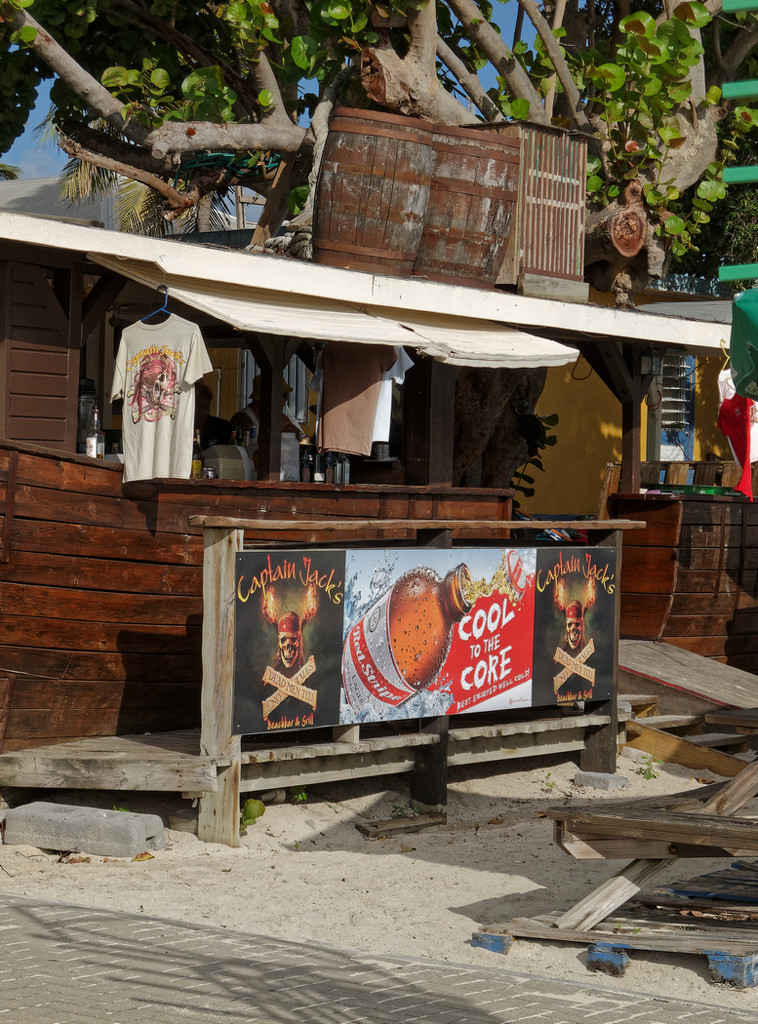 0901 - Time for a beer by bob65
