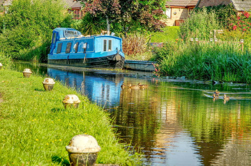 Narrowboat  King Fisher  by bybri