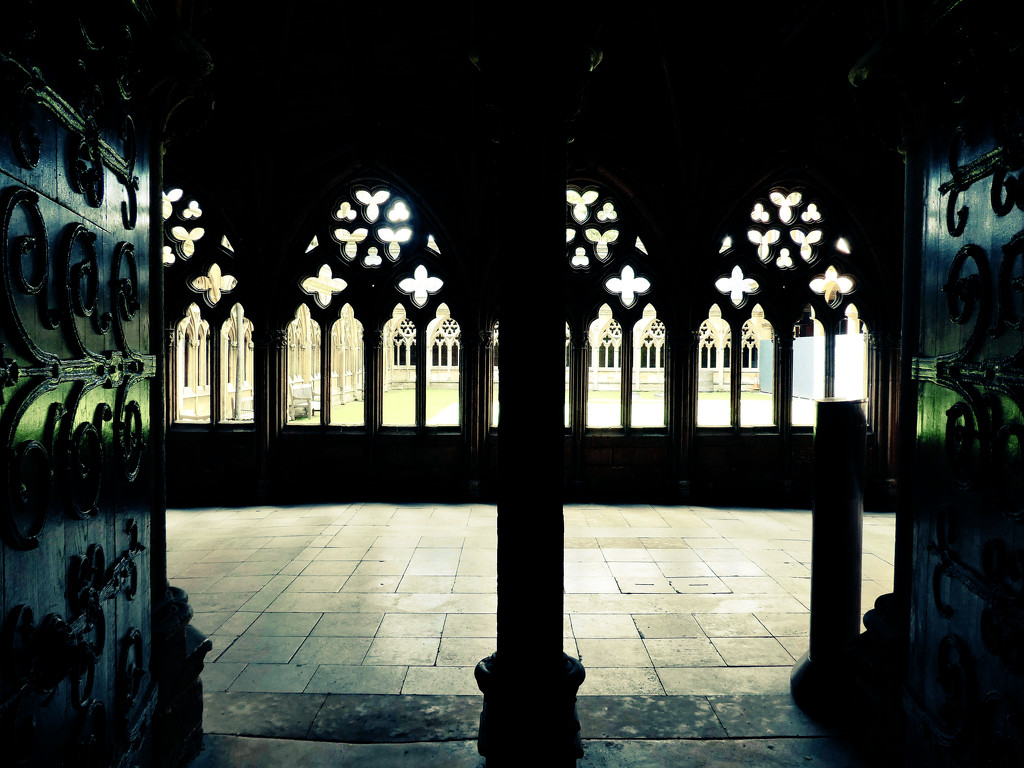 Lincoln Cathedral Cloisters  by cmp