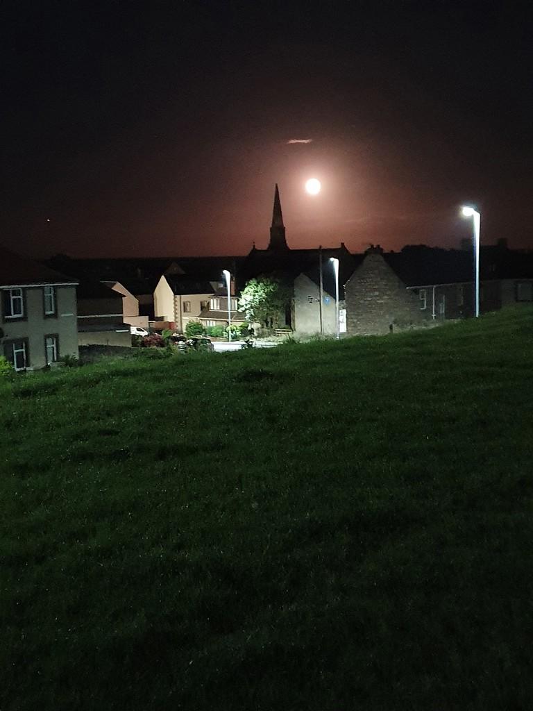 Moon by pinkpaintpot