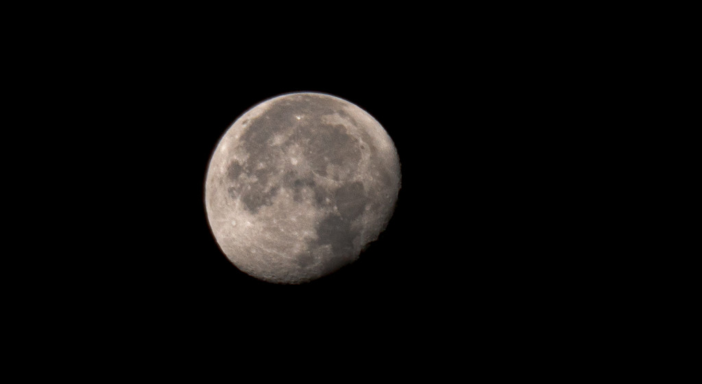 Moon - 2020-09-05 before sunrise by bmaddock