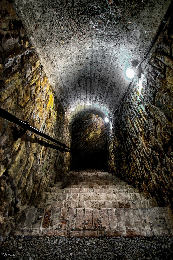 Tunnel at York Redoubt by novab