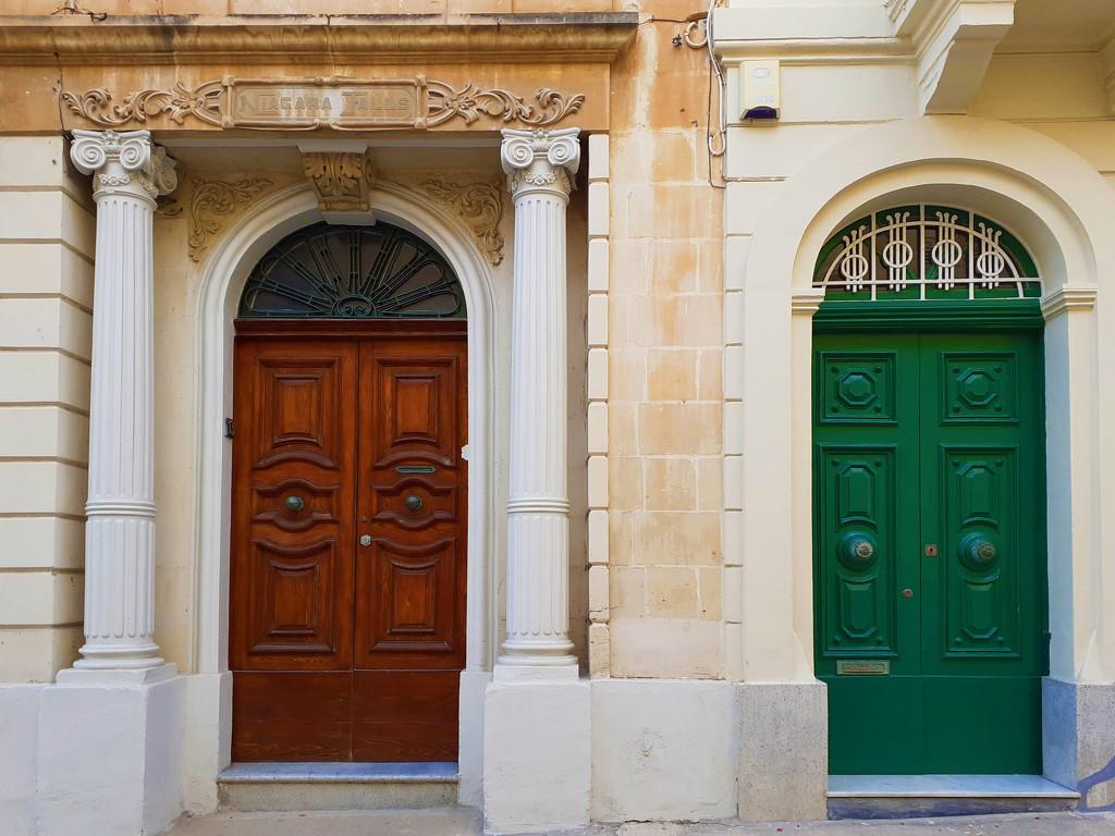 DOORS  by sangwann
