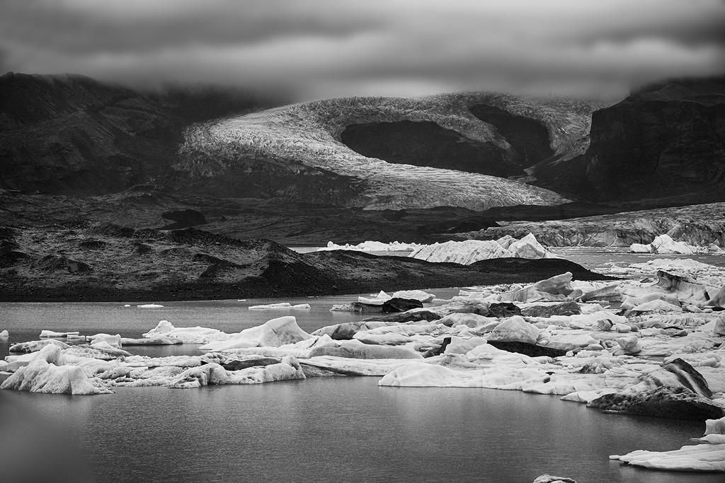 Jökulsárlón Glacier Bay Lagoon  by pdulis