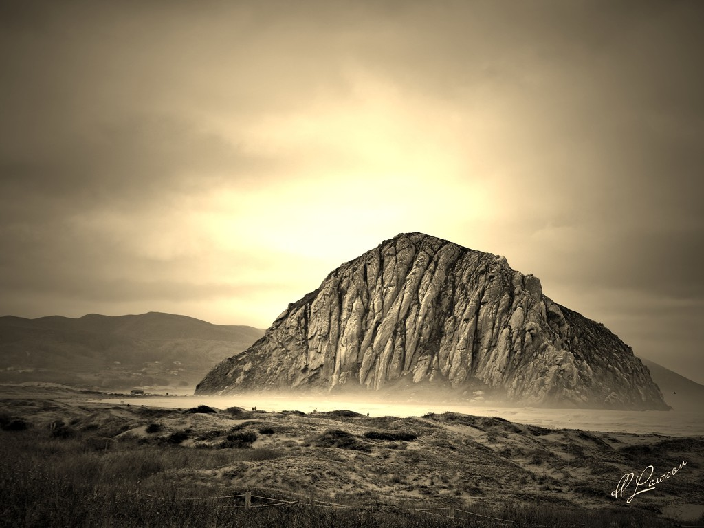 Morro Rock by flygirl