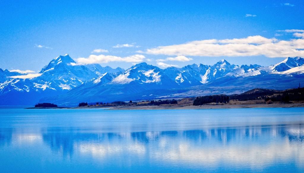 Lake Tekapo by kiwinanna