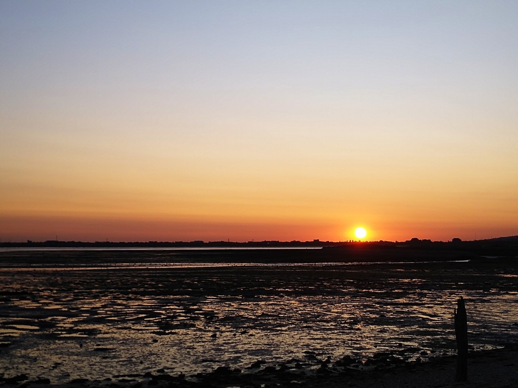 Sunset over Mudflats by 30pics4jackiesdiamond