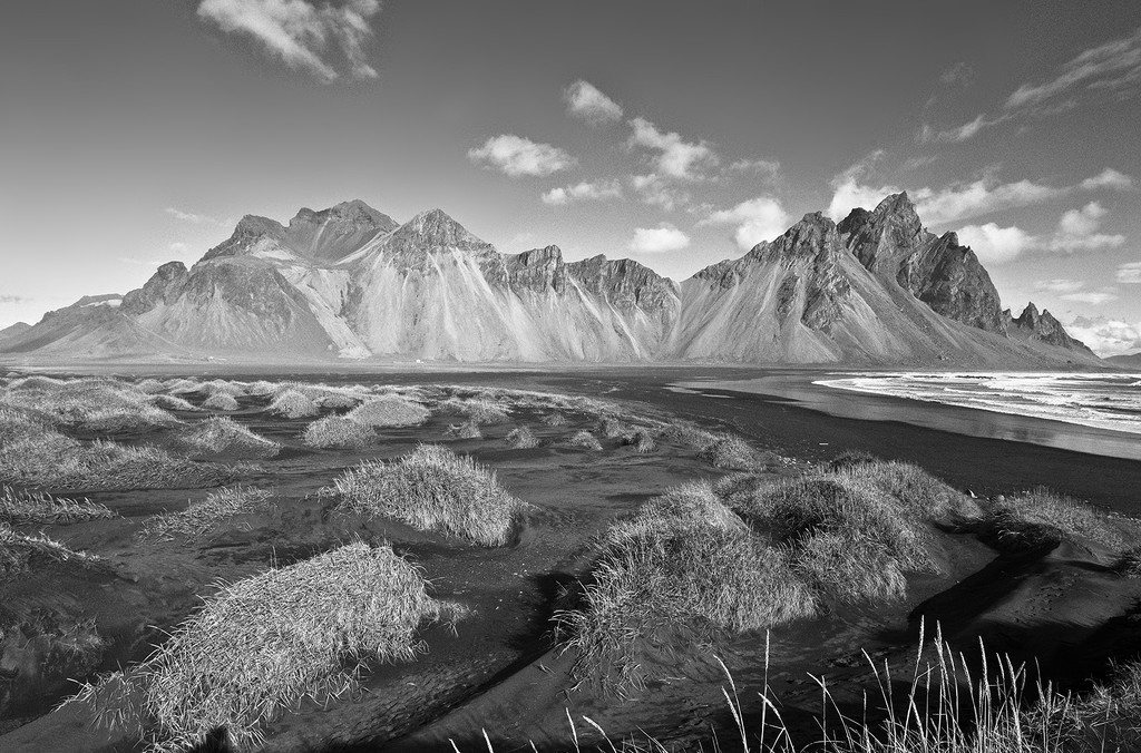 The Wilderness of Vestrahorn Mountain by pdulis