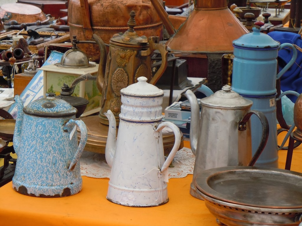 AT THE ANTIQUES MARKET by santina