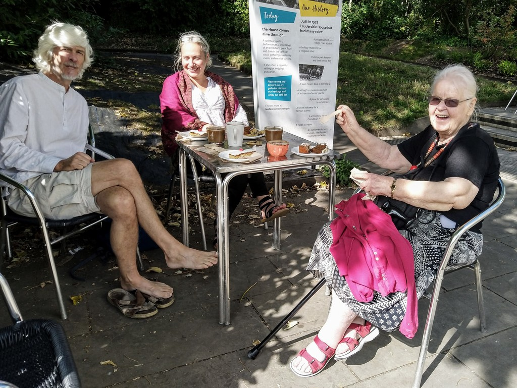 Cake and tea in Waterlow Park by boxplayer