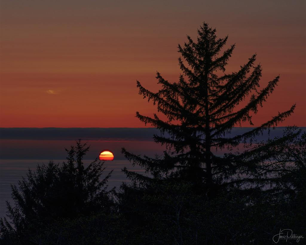 Last Night's Sunset by jgpittenger