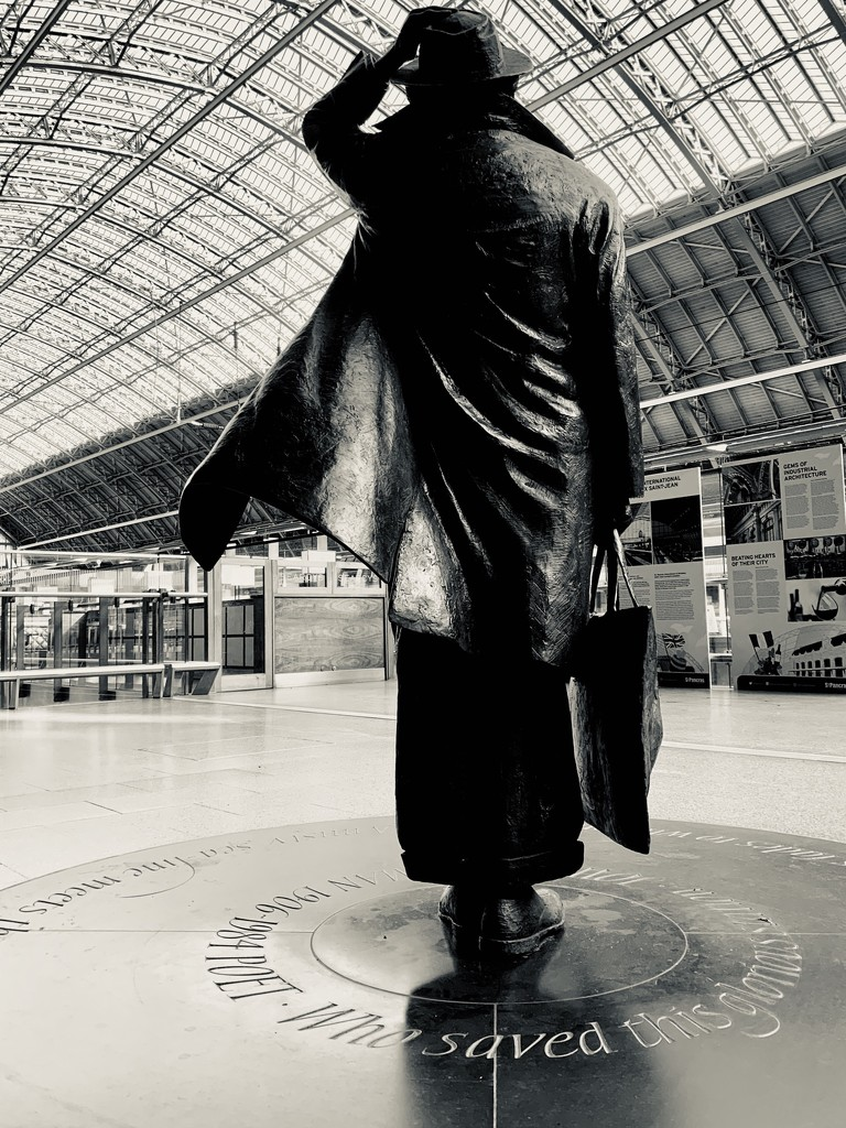 Sir John Betjeman St Pancras Station by 365nick