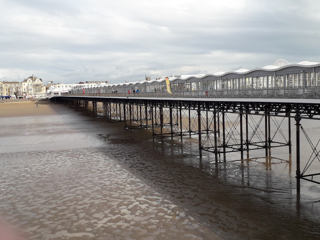 A view of the pier by mave
