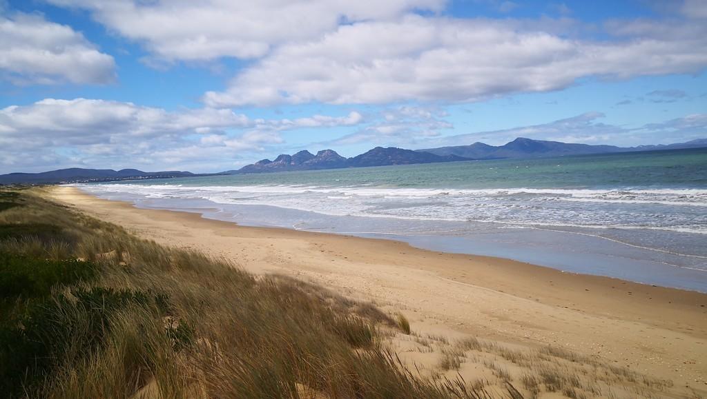 The Beach by kgolab