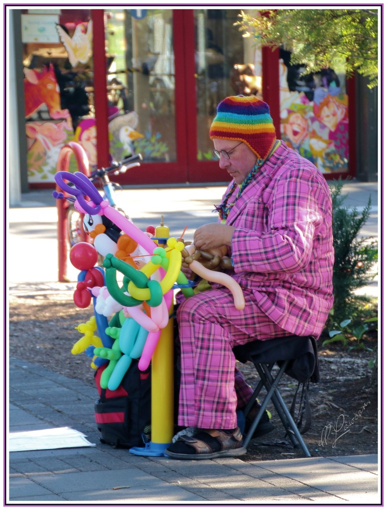 Mr. Balloon Guy by flygirl